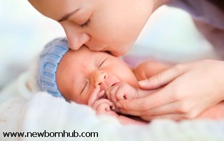 Mother and newborn at NewbornHub.com